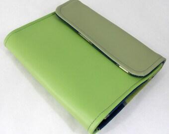 Vegan iPad Sleeve Tasca, Green vinyl iPad case