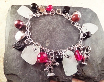 Scottish Sea Glass Charm Bracelet in Red, Black and White, Scottish Jewelry, Beach Theme, Vacation Souvenir, Travel Keepsake