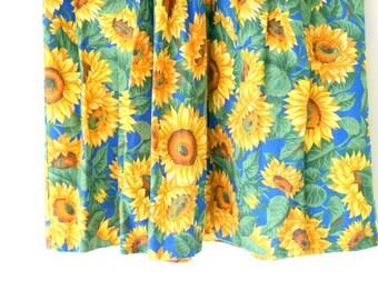 Vintage SUNFLOWER Girls Ruffled Dress....size 4 girls...kids. children. vintage girls. primitive. country. summer dress. cotton sundress