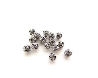 15 Rhinestone Crystal Pave Beads / Black