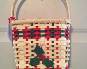 Christmas Door Basket