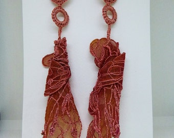 Earrings in organza embroidered