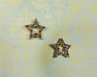 Vintage AVON Blue Rhinestone Star Pierced Earrings - V-EAR-647 - Star Earrings - Rhinestone Earrings - Blue Rhinestone Earrings