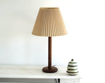 Vintage Mid Century Lamp - MidCentury Table Light - Vintage Teak Wood Desk Lamp