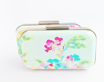 bridesmaids bags, bridesmaids clutches,  bridesmaids gifts, set of  clutches, bridal accessories, mint weddings, mint gifts