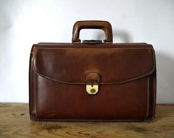 French Vintage doctors bag leather satchel messenger railway doctors  bag steampunk