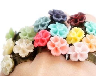 Simple Blossom Flower Size Adjustable Ring - Bridal Jewelry - Bridesmaids Gift Idea - 1 pc - 15 Colors Pick - RF14