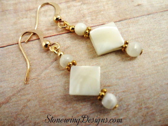 Mother of Pearl Earrings, Mother of Pearl Jewelry, White Earrings, Feminine Jewelry, Earrings for young girls, Classic Jewelry