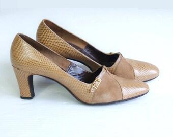 vtg 60s CAMEL faux reptile BUCKLE HEELS 7 boho suede leather tan mod shoes pumps
