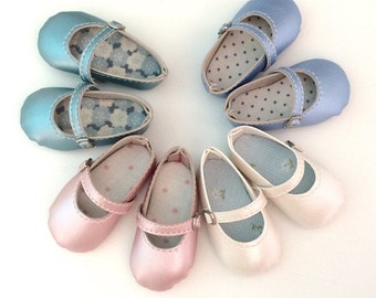 Shoe Pearly to Minifee Moe