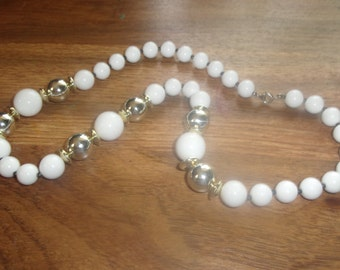 vintage necklace white gold lucite