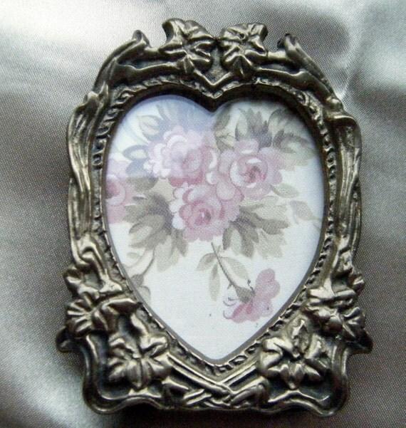 Brass heart shaped frame vintage home decor sweetheart for Heart shaped decorations home
