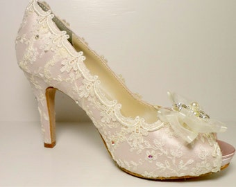 Pink Marie Antoinette Wedding Shoes, Bridal Lace Shoes, Pink Lace Wedding Shoes, Marie Antoinette Bride, , Vintage Lace