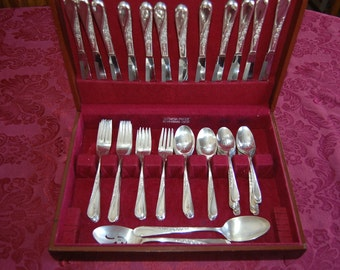 Vintage Silverplate Service for 12 Flatware Forks Spoons Knives 73 pieces Roger & Son Spring Flower Free Shipping