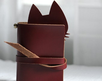 Burgundy  Cat leather Journal Traveler's Notebook Leather Notebook Refillable retro leather notebook with gift box