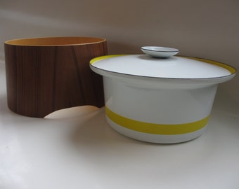 Vintage Catherine holm Era Enamelware casserole dish with teak stand