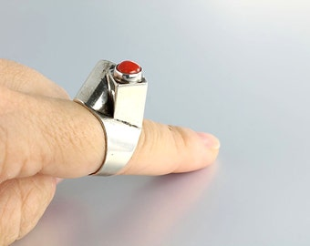 Modernist Coral Ring, Israeli Sterling silver Ring Tall size 7 Vintage Jewelry