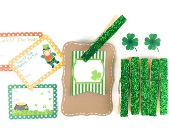 Kelly green glitter clothespins. St Patricks Day glittered clothes pegs Party favor gift enclosures in Irish Green