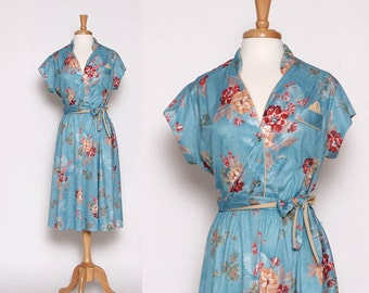Vintage 70s Blue floral Dress / Housewife / Rockabilly / Flower Day Dress