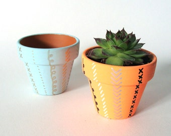 Hand Drawn Doodle Stripes Plant Pot