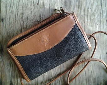 CREST    ///    Small Leather Bag