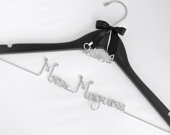 Wedding Dress Hanger with Wedding Date Charm, Bride Hanger, Bridal Party Gift, Bridesmaid, Name Hanger, Bridal Shower Gift