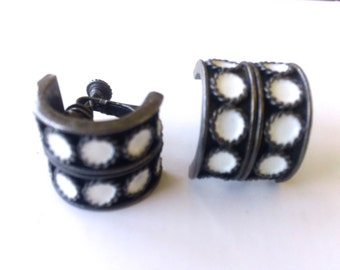 Black & White Domino Dice Earrings Japanned Metal Mad Men Fashion Jewelry