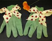 Summer Ladybug Garden Gloves,  Green Women's Gardening Gloves