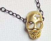 Ziggy Stardust. 18k Gold Skull Charm & Gunmetal Chain Necklace