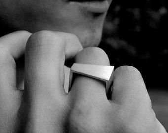 INCONGRUS SILVER SQUARE ring