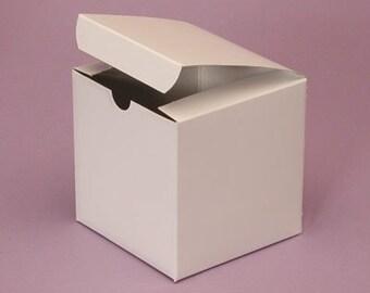 """White Cardboard gift box - 4"""" x 4"""" x 4"""""""