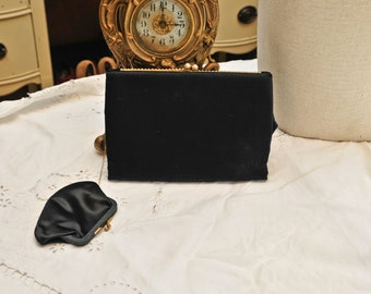 Vintage Pearl Trim Clutch