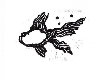 goldfish linocut, black and white, 5 x 5