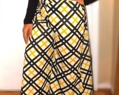 Amazing Vintage Palazzo Pants!  New Old Stock.  NWT.  Ready for Spring!  Super wide bell bottoms.