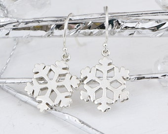 Snowflake Earrings, Sterling Silver Snowflake Earrings, Winter Jewelry, Snowflake Jewelry, Christmas Gift, Sterling Danlge Earrings