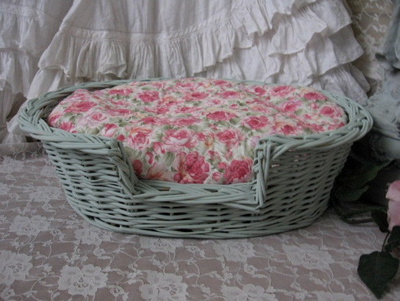 Shabby chic pet bedcat bed small dog bedmint green oval pet for Shabby chic dog
