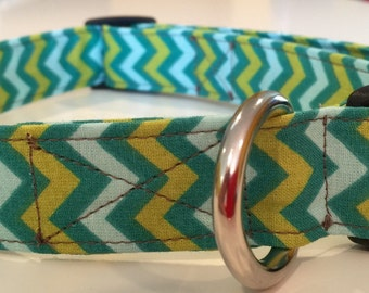 Green chevron print dog collar