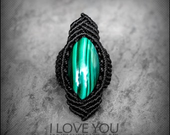 Malachite ring macrame