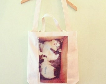 Cat in the box Tote Bag with shoulder strap