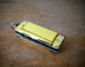 Miniature Harmonica Pendant, YELLOW / Silver, Mini Mouth Organ Charm, Jewelry Supplies (AY045)