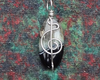 Sounds of Music Green Crystal Agate Wire Wrapped Pendant