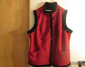 Smart reversible Vest Red Suede to Black Faux Fur XL Warm Beautiful