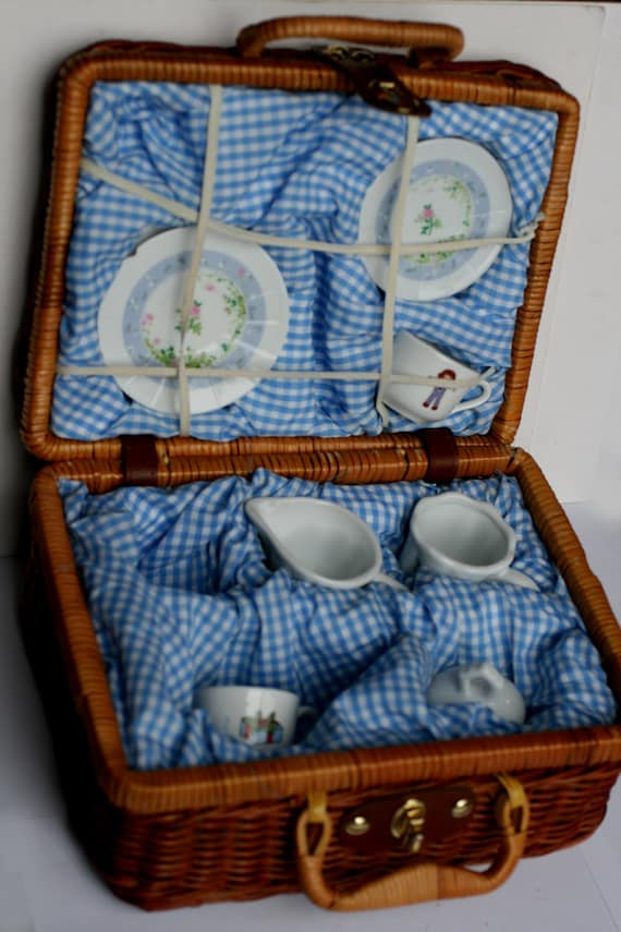 Picnic Basket Dish Set : Vintage childs play picnic basket with china dishes tea party
