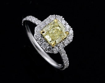 White and Yellow Gold Diamond Halo Engagement Ring Setting for Radiant Cut Center