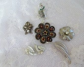 Destash Vintage  Five Piece Lot Silver Tone Brooch Faux Peals 1 Rhinestones Earring Set