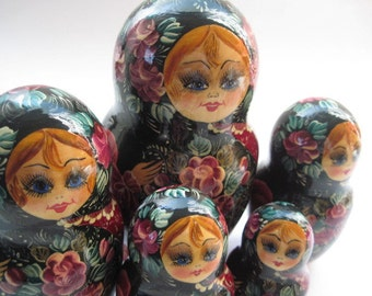 Vintage Painted Russian Matryoshka Nesting Dolls