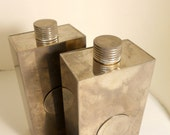 Vintage 1940 Tin Lined  Flask 13 oz  Art Deco 2 cups Shot Glass