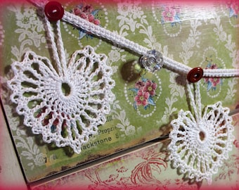 Vintage Valentine Lace Heart Doily 5 foot Garland Pennant Buttons Shabby Country Cottage Decor Valentine's Day Sweetheart Gift