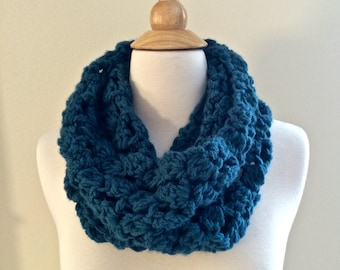 DIY PATTERN: Minarets Cowl, chunky bulky accessory, easy crochet PDF, circle scarf, InStAnT DoWnLoAd, Permission to Sell