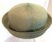 Womans Vintage Green Straw Hat with Veiling